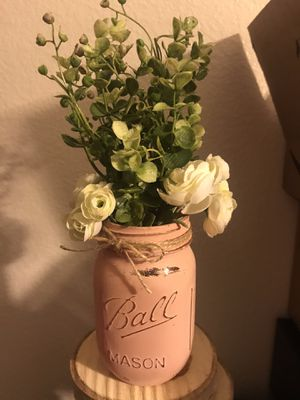 5 Mason jars with flowers / party decor for Sale in Livermore, CA