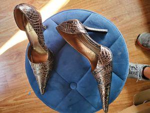 Carlos santana fierce Brown black heels size 8 lightly used for Sale in West Covina, CA