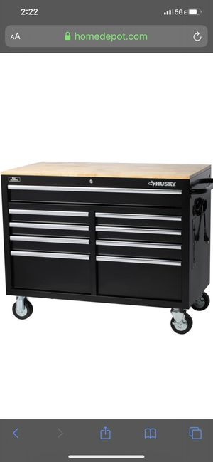 Husky tool box like new for Sale in Las Vegas, NV