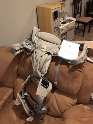 Ergobaby Carrier for Sale in Cranberry Township, PA