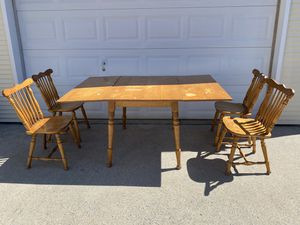Solid wood folding dining table w/chairs for Sale in Harrisburg, PA