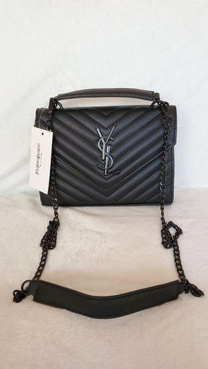 Handbag for Sale in Chicago, IL