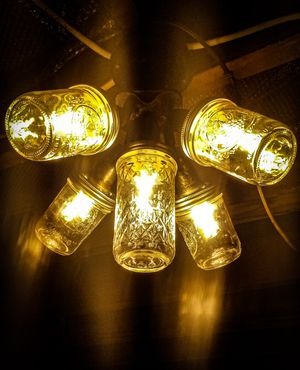 ZetaCraft Easy install!!! 5 mason jar fixture. Vintage lighting very cool for Sale in Littleton, CO