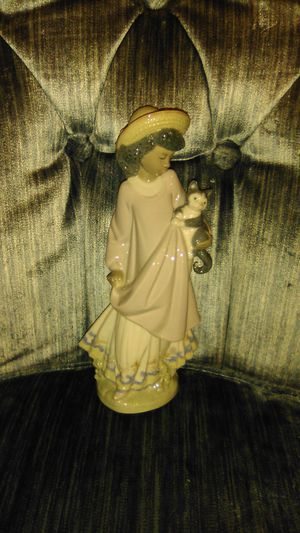Lladro Collectable Figurine for Sale in Baldwin, NY