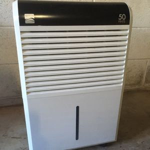 Kenmore 50pt Dehumidifier for Sale in Battle Ground, WA