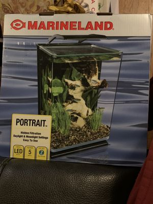 Marineland 5gal Portrait Aquarium for Sale in Annandale, VA