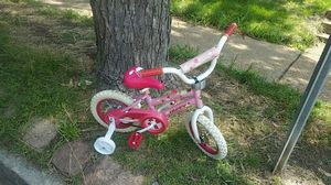 GIRL HUFFY PINK BIKE for Sale in St. Louis, MO