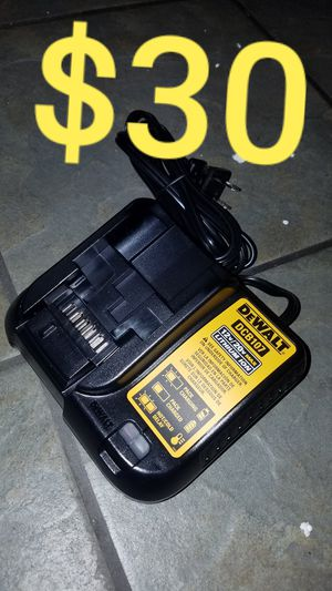 DeWalt charger new Nuevo for Sale in Los Angeles, CA