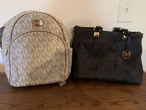Micheal Kors Purse and backpack for Sale in Las Vegas, NV