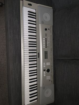 YAMAHA KEYBOARD and Acessories for Sale in Scottsdale, AZ