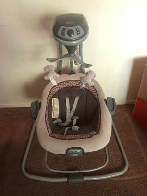 Graco baby swing for Sale in Fresno, CA