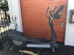 Life Fitness 91xi elliptical for Sale in San Leandro, CA