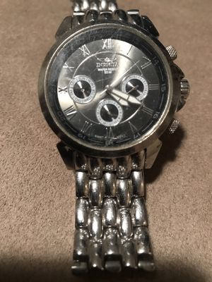 Men invicta watch needs battery and also attachment for sizing for Sale in Miami, FL