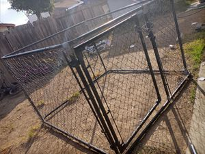 Dog kennel 4ft tall for Sale in San Jose, CA