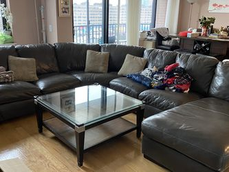 Moving Sale- Glass Coffee Table for Sale in Jersey City,  NJ