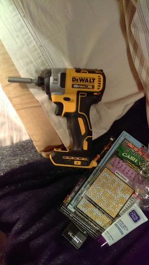 Dealt xr 20 volt Max hammer drill/driver and impact drill for Sale in Hudson, FL