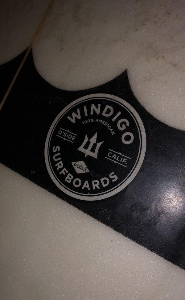 "Windigo 5'11"" surfboard (MacArthur)"