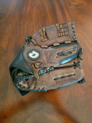 "Demarini Ultimate Softball Glove 13"" A2478 RHT for Sale in Lake Oswego, OR"