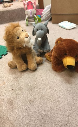 3 zoo stuffed animals for Sale in Columbus, OH