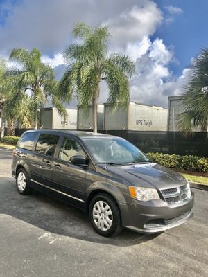 Dodge Grand Caravan 2015 for Sale in Miami Springs, FL