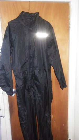 Dainese rain suit. Size XL for Sale in Queens, NY