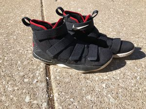 Nike LeBron Soldier 11 for Sale in Glenview, IL