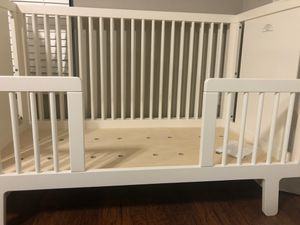 Convertible baby and toddler crib for Sale in Orlando, FL