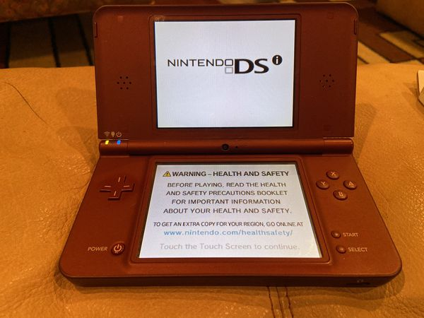 Nintendo 3DS XL - 4 Games - Carrying Case - New Charger