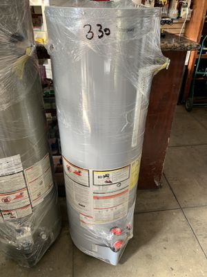 Water heater 40 galones whirlpool for Sale in Los Angeles, CA