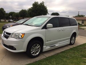 2018 Dodge Grand Caravan SXT Braunability Conversion for Sale in San Antonio, TX
