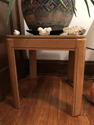 Coffee table w/ glass for Sale in Cleveland, OH