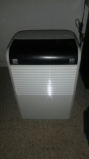 Kenmore 50 Pint dehumidifier for Sale in Tampa, FL