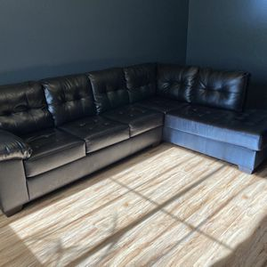 Dark Brown Leather Sectional Couch for Sale in Surprise, AZ