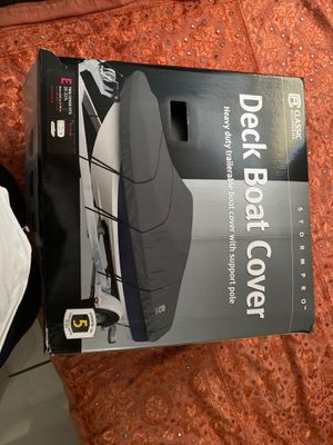 Deck Boat Cover fits 20 to 22 ft boats NEW for Sale in Miami, FL