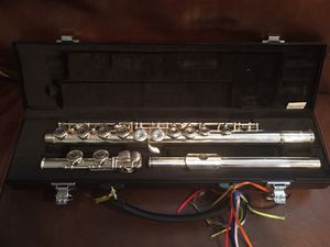 Yamaha 221 Flute With carrying case for Sale in Fort Washington, MD