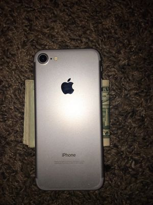 iPhone 7 like new for Sale in Wichita, KS