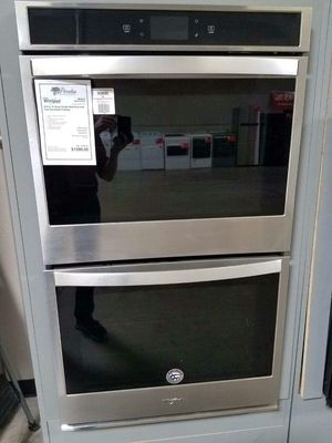 New Discounted Whirlpool Wall Oven Smart Enabled 1yr Manufacturers Warranty for Sale in Chandler, AZ