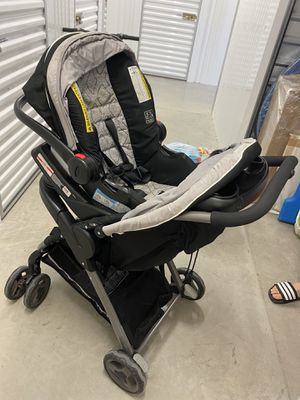Car seat with stroller for Sale in Dallas, TX