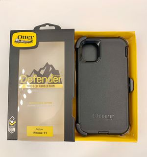 iPhone 11 (Regular) OtterBox Defender Case with Belt Clip Holster. Black. for Sale in Corona, CA