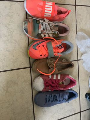 Hi guys ! 6-6.5 all shoes negotiable for Sale in Winter Haven, FL