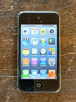 iPod Touch 4 (16 GB) + Bluetooth Headphones for Sale in Alamo, CA