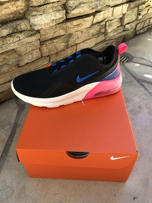 Nike Air Max Motion 2 (Womens) for Sale in La Palma, CA