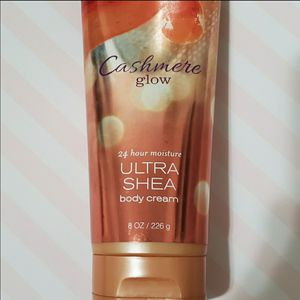 """RETIRED BBW SCENT """"Cashmere Glow"""" body cream for Sale in Rockville, MD"""