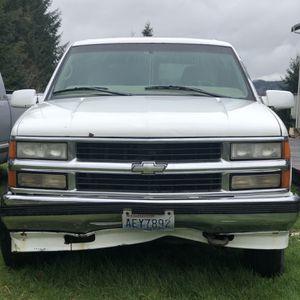 1999 Chevrolet Tahoe for Sale in Raymond, WA