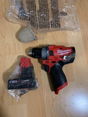 Milwaukee fuel M12 hammer drill and xc4.0 battery for Sale in Burbank, CA
