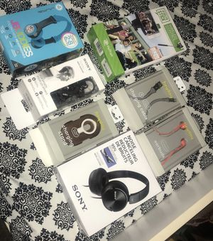 Headphones, earbuds, and chargers for Sale in Modesto, CA
