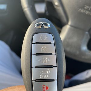 Infiniti Key Fob for Sale in Los Angeles, CA