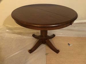 Round Pedestal Table for Sale in Durham, NC