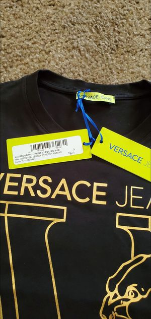 AUTHENTIC VERSACE JEANS T-SHIRT for Sale in Stockton, CA