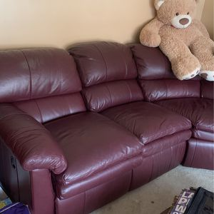 Leather couch - Barca Lounger for Sale in Murrysville, PA